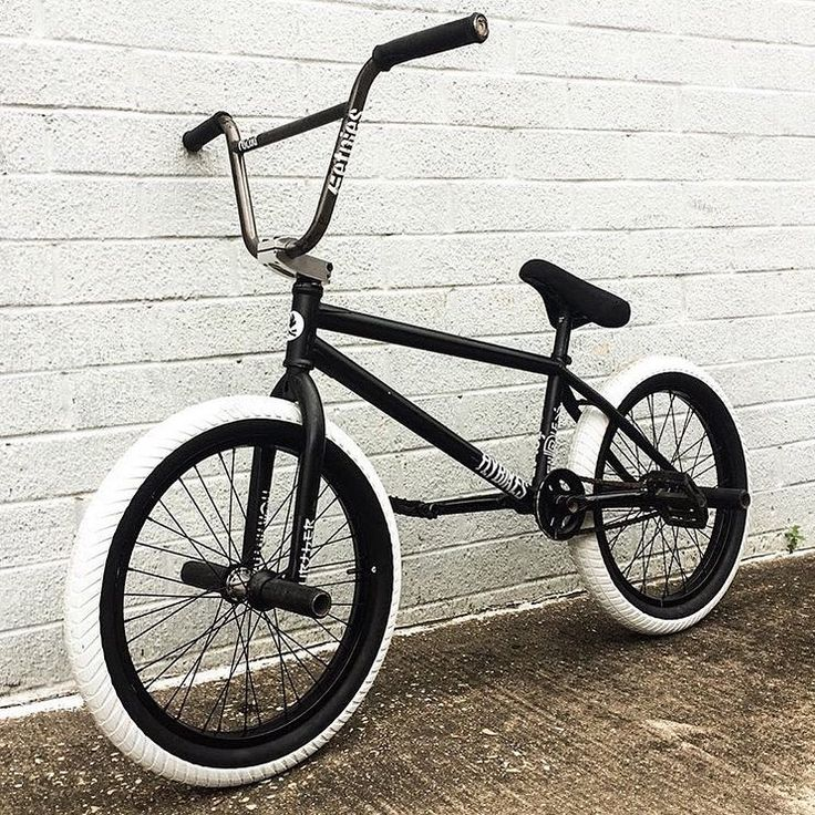 @devonsmillie tossed on some new white Ruben Rampera tires on his Fuego setup…