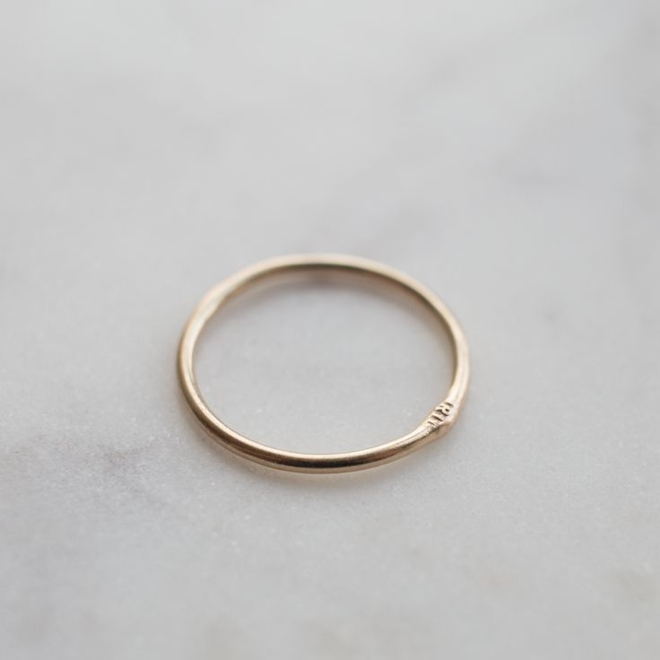 Gold stack ring 18K by Silver theories.