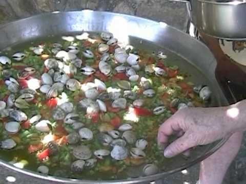 Paella de pescado y mariscos good food and wines - Paella de pescado ...