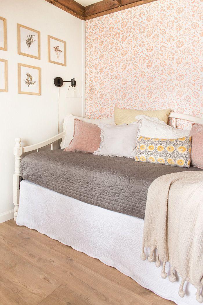 17 Best Ideas About Paris Themed Bedrooms On Pinterest