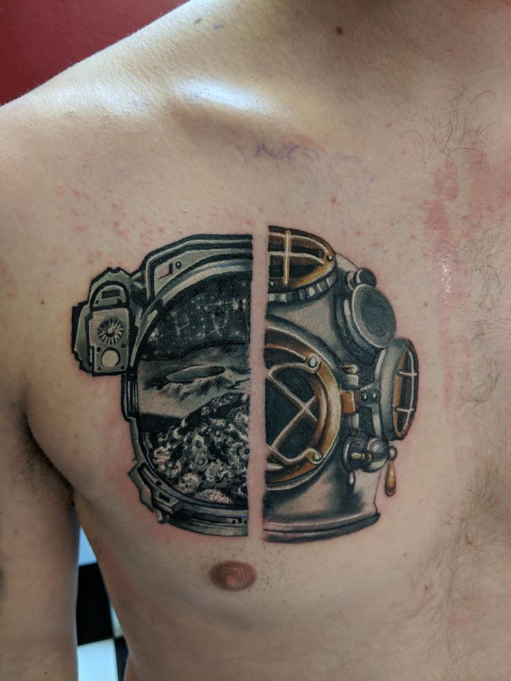 [Fresh] Astronaut/Old School divers helmet. Done by Zach Berrios of Sacred Arts Tattoo Tucson AZ