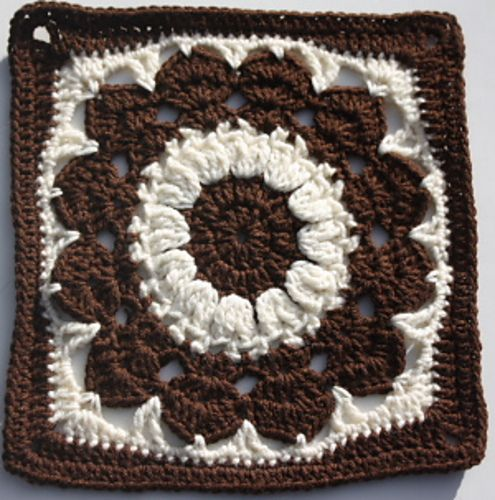 "Ravelry : Free pattern for ""Cocoa Puff Square"" by Melissa Green"