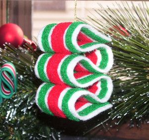 ribbon candy felt ornament. This reminds me of Little House on the Prairie when candy was a special gift at Christmas time.
