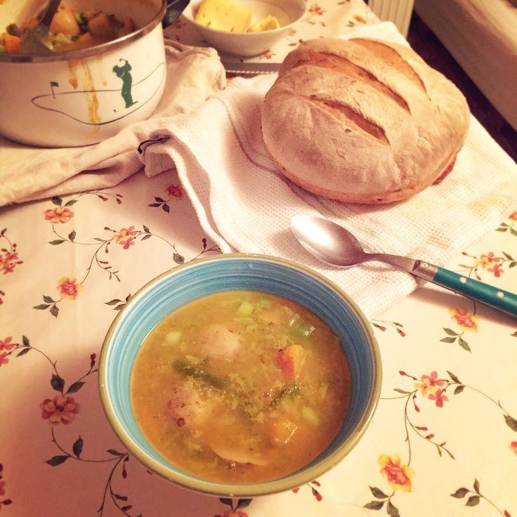 Homemade Bread搭配暖暖的南瓜椰菜湯,溫情十足的道地諾曼地家鄉菜。