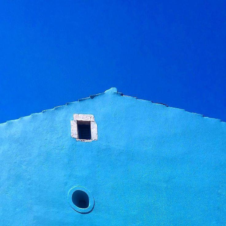 """Mi piace"": 917, commenti: 89 - Phone in Blue mode! JC Copetto (@jc_copas) su Instagram: ""Blue💙Friday! ACME #mysweet_blue #pocket_architecture #colorsoftheweek #creative_architecture…"""