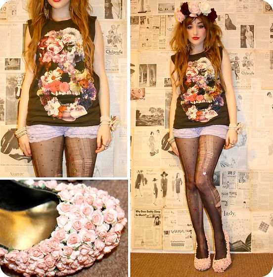 it looks kind of ridiculous but daisy shoes are not a bad idea for edc hahaLookbook, Style, Paper Flower, Skull Tshirt, Flower Skull