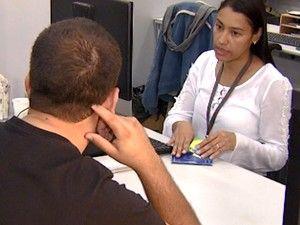 Profissional participa de entrevista de emprego em Campinas (Foto: Reprodução / EPTV)