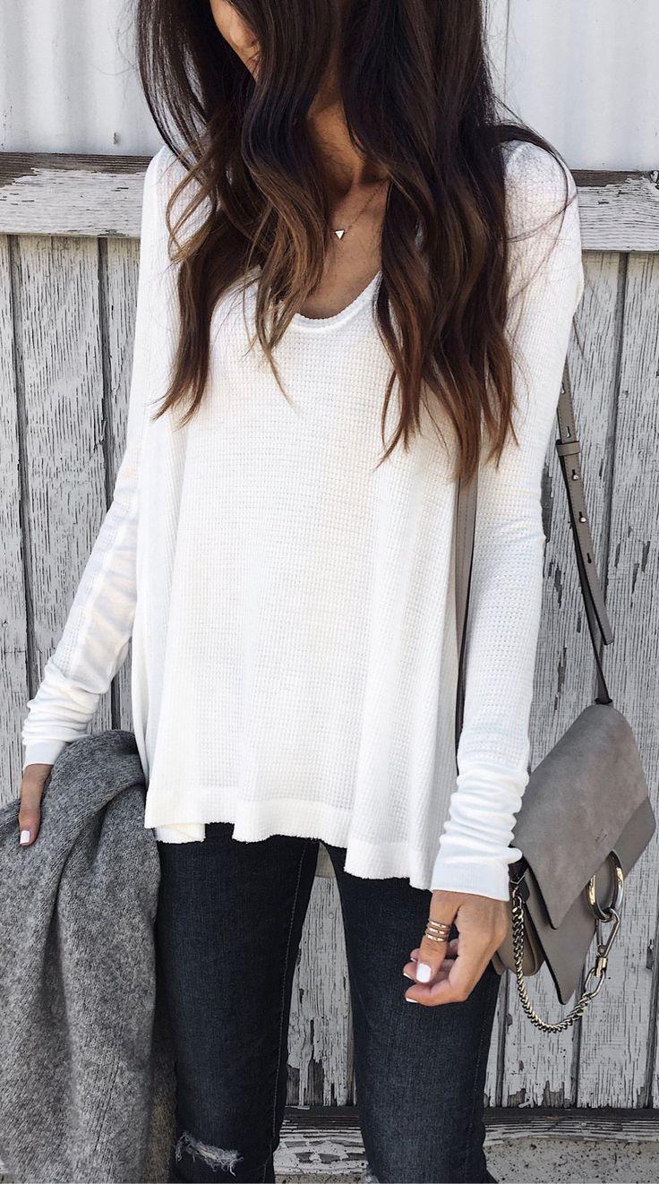 White Knit / Dark Ripped Skinny Jeans / Grey Shoulder Bag