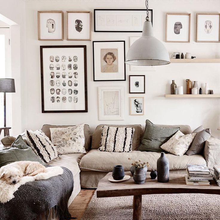The Northcote home of stylist, decorator and retailer @amandahendersonmarks and her family is perfectly imperfect. This serene, pared back space is layered with second hand furniture and vintage finds. It's a beauty! by @evegwilson link in profile