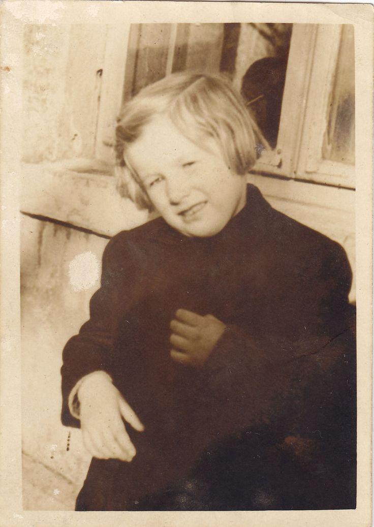 Alena Voštová, daughter of Anna Malinová. March 1945. Foto: Rodinný archiv Aleny Voštové