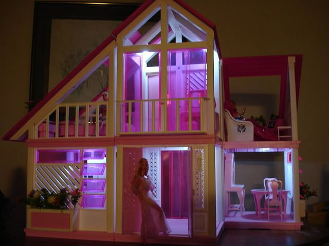 Pink Barbie Dream House | Flickr - Photo Sharing!
