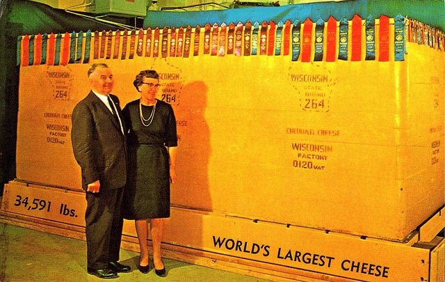 worlds largest cheese: Big Chee, Steve Chee, World Largest, Worlds Largest, Cheddar Cheese, New York, Largest Cheese Bet, Wisconsin Chee, Chee Foundation