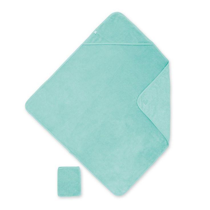 Een super grote badcape 90x90 cm in bamboe stof van het merk Bemini (vroeger babyboum) in de kleur Lagon. De badcape heeft een kapje voor over het hoofd van uw kindje, de licht groene badcape heeft een bijhorend washandje in dezelfde kleur.