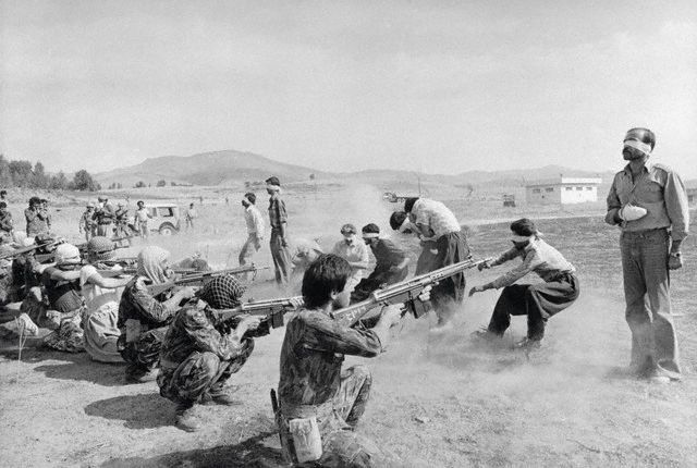 1980 - Awarded to the Ettela Razmi Jahangir `at Iran for his photograph of a firing squad at home
