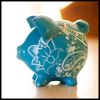 So adorable, great decorative piggy bank design.