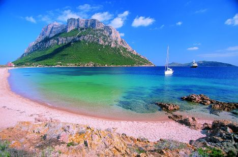 The stunning shores of Sardinia with its turquoise waters