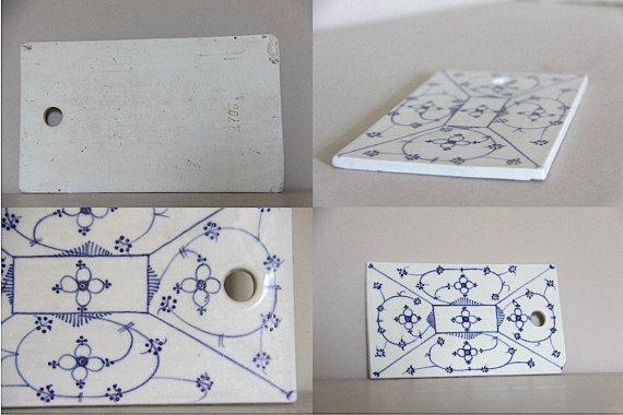 Planche oignon antique bleu et blanc en céramique par maintenant 55,00 €  plus frais de livraison