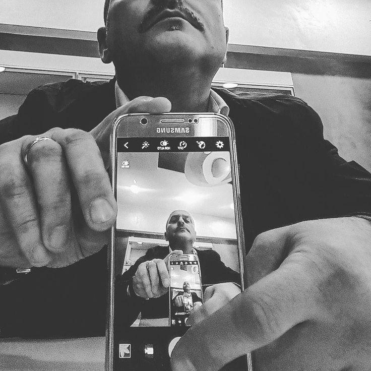 #hairstyle #men #madeinitaly #hair #barbastyle #barber #professional #hairstyles #uomo #salonserviceimperia #man #style #artigianato #gorihairschool #barbaitaliana #parrucchiere #barbershop #barbiere #prodotti #newstyle #eroi #nature #trail #trailrunaddict #wood #trailrunning #lafaticanonesiste #landscape #goolkeeper #friends by vincenzocuratolo