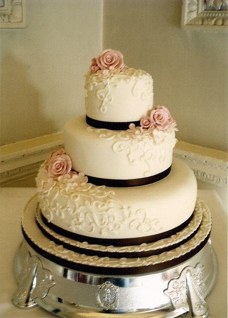 vintage wedding cakes | Vintage Scroll Wedding Cake | Flickr - Photo Sharing!