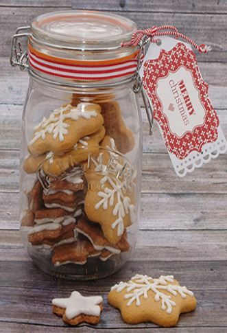 You know it's Christmas when you see the first batch of gingerbread cookies! Make these delicious biscuits to share with your family and friends: http://www.kilnerjar.co.uk/unique/show/christmas-gingerbread-biscuits