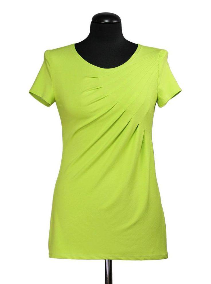 Bei Schnittquelle finden Sie Schnittmuster - wie z.B. Shirt Pau die einfach zu nähen und raffiniert zugleich sind.