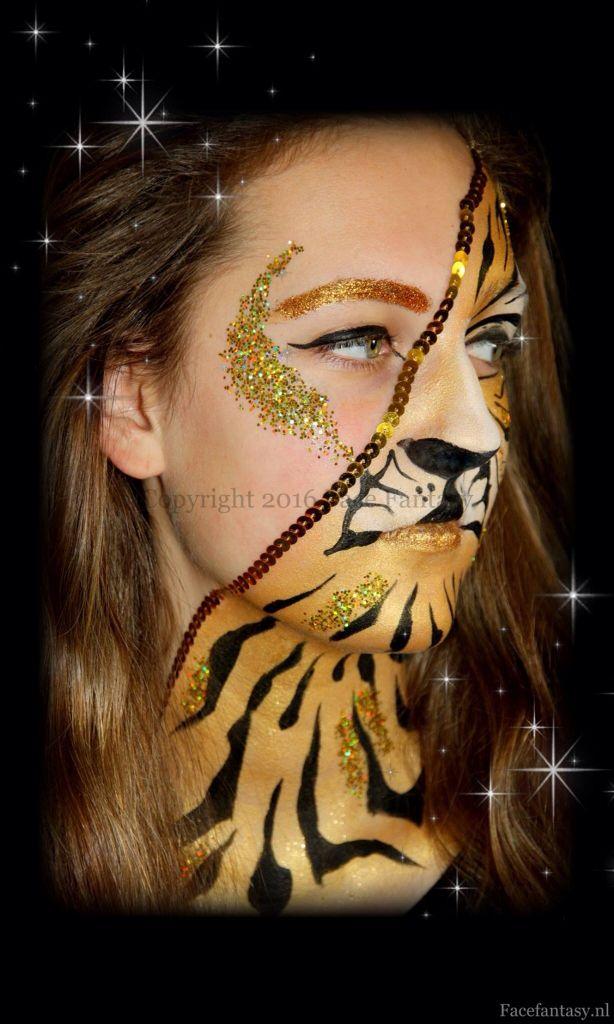 Facepaint tiger Golden tiger facepaintdesign Schminken Glittermakeup Gouden tijger  Face Fantasy Amersfoort  Www.facefantasy.nl