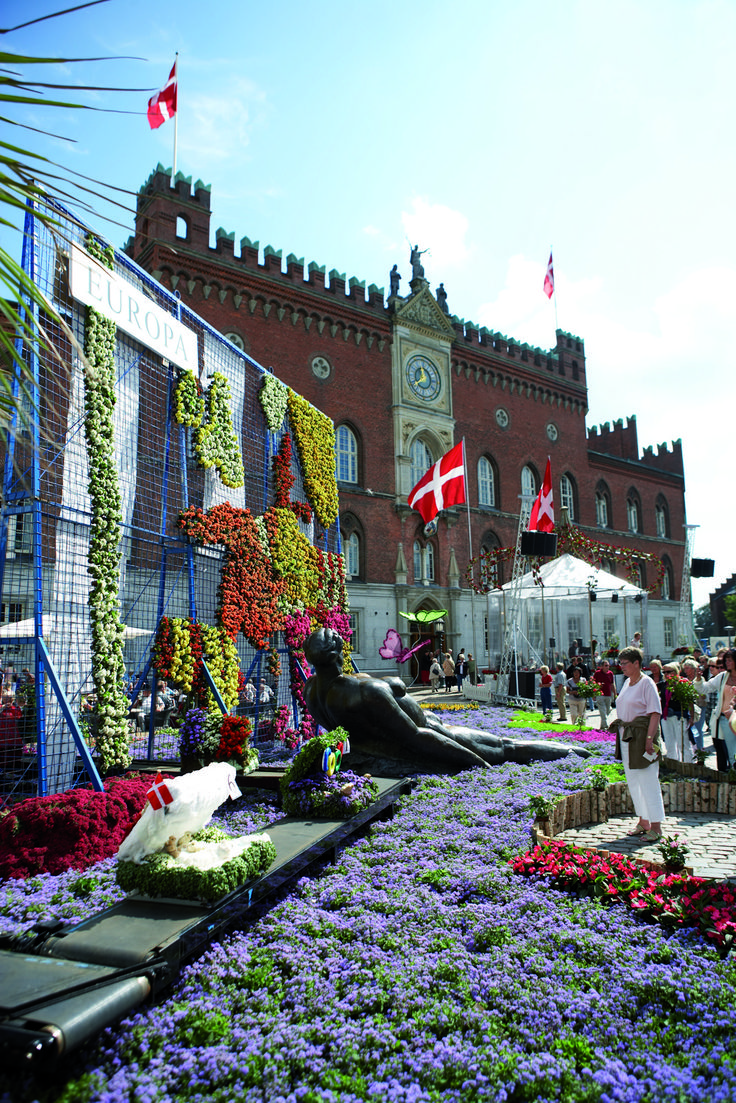 Flower festival in the beautiful town of #Odense, #Denmark. It's Denmark's 3rd city and the main city of the island of Funen. Odense is about 1.5 hours drive from the ferry port of Esbjerg. ferries go from Harwich in UK to Esbjerg 4 times weekly. http://ferrycrossings.org.uk/denmark/harwich-to-esbjerg/