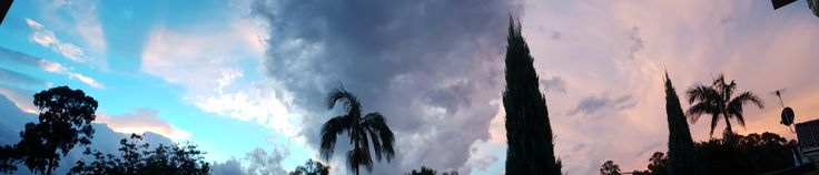 Sydney's two toned sunset tonight from my backyard! [9540 x 2050] -Please check the website for more pics