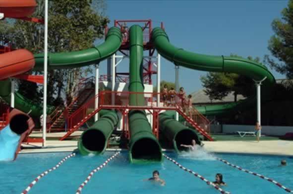 ¿No sabes que hacer con los niños en Barcelona? Llévalos a IllaFantasía #barcelona  https://theurbansuites.wordpress.com/2013/08/05/illa-fantasia-barcelona/