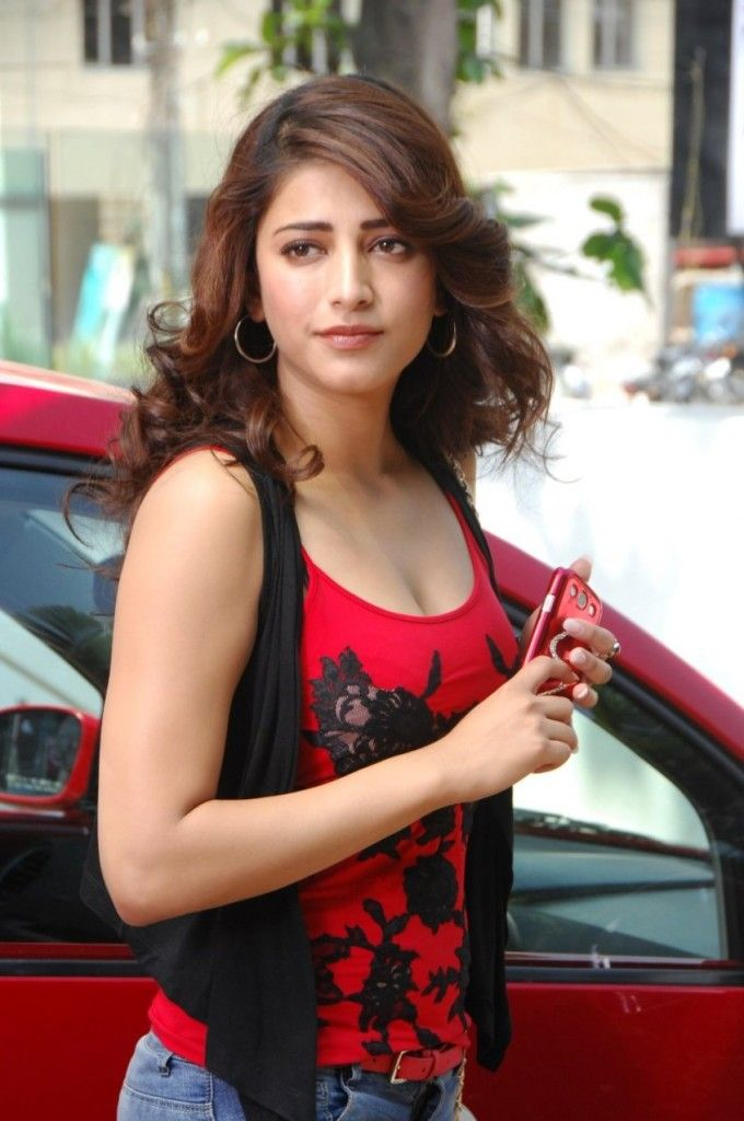 Shruti Haasan Hot Images