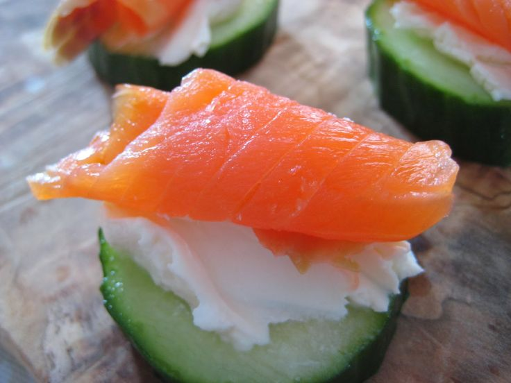 Smoked Salmon and Cucumber Hors d'oeuvres (super quick and easy!)