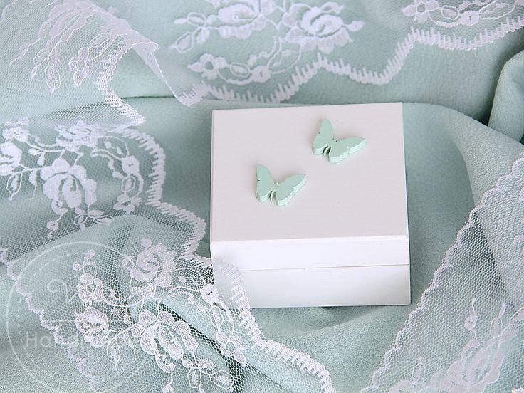 pudełko na obrączki z miętowymi motylkami