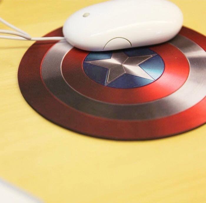 Escudo mais famoso de todos os tempos.  Mousepad especial para quem é fã de Capitão América!   Disponível em: www.ivyshop.com.br🎀  #escudo #mousepad #capitaoamerica #avengers #marvel #ligadajustiça #criativos #geek #superheroi #presentes #computador #nerd