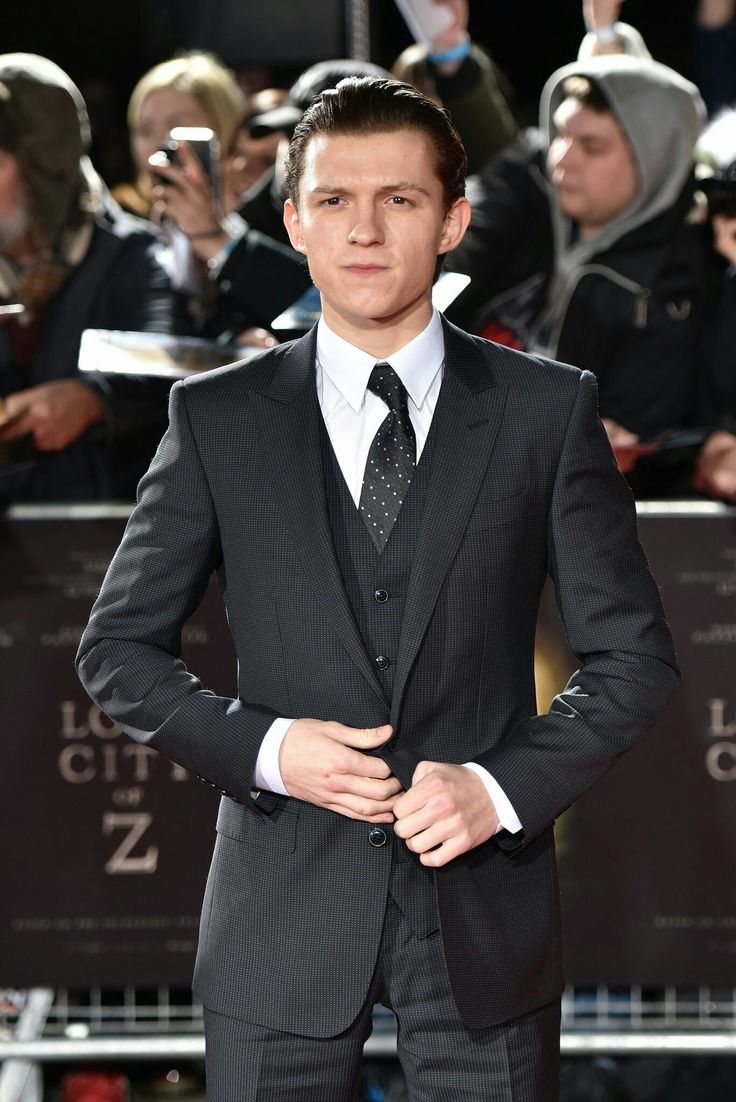 I'm becoming obsessed with Tom Holland. not even mad ab it