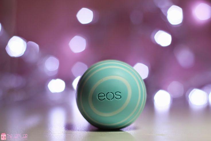Review: eos Lipbalm Vanilla Mint