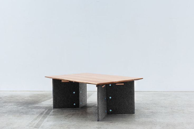unexpected-collection-elliot-bastianon-2-orientation-table