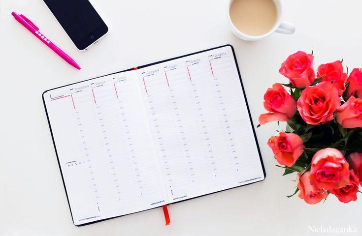 Idealny kalendarz, który pomoże się zorganizować! Kalendarz zorganizowanej kobiety - kalendarz do druku za darmo!