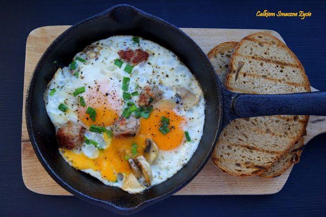 Iron skillet baked eggs
