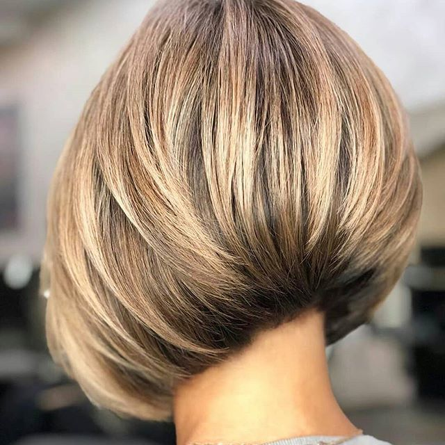 56 Moderne Bob Frisuren Stufig In 2020 Short Layered Bob Haircuts Thick Hair Styles Bob Hairstyles For Thick