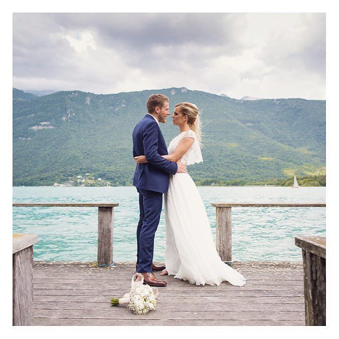 Entre lac et montagne!      #annecy #mariagealamontagne #hautesavoie #lacdannecy #love #weddingplannerannecy #weddingstyle #weddingday #igwedding #nicolasfafiotte  nathalieroux
