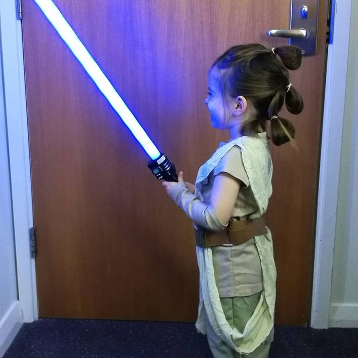 We had a great weekend and went to a fancy dress masquerade party. Scarlett won first prize in the best dressed kids category which she was happy about  #fancydress #masquerade #phantomoftheopera #vampire #batgirl #dc #comics #rey #starwars #bb8