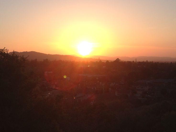 Οταν ο ηλιος παει για υπνο!