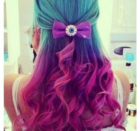 Pastel tri color hair colors ideas of hair color blue and pink blue purple and pink hair makeup and nails artsy style and casual pint junglespirit