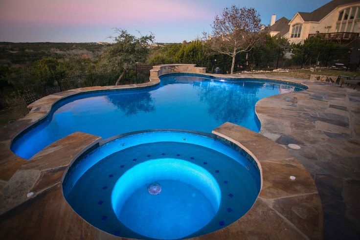 Stunning Pool And Spa Designed By Cascade Custom Pools