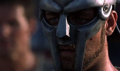 Crítica y análisis de la oscarizada película, dirigida por Ridley Scott, 'Gladiator', con Russell Crowe como protagonista, y que devolvía el cine las histori...