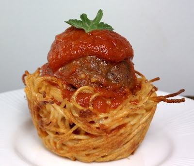 Spaghetti & Meatball Cups - this would better with my kids, if I used mushrooms on the inside and extra cheese