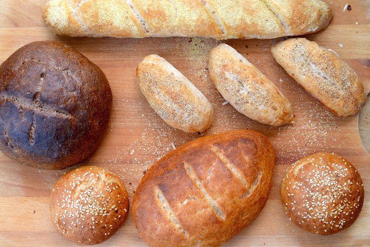 Száraz, morzsalékos, fullasztó, habszivacs, beton, tégla, verekedni lehet vele – egy rövid gyűjtemény a jelzőkből, amelyekkel a gluténmentes kenyereket le szokták írni.