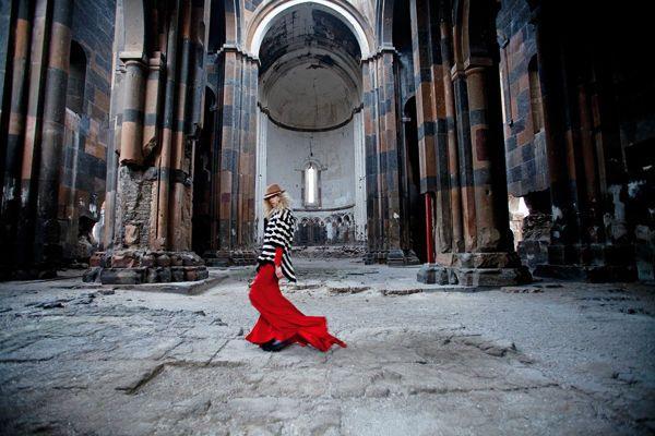Elle Turkey shoot in an abandoned Armenian church in Ani
