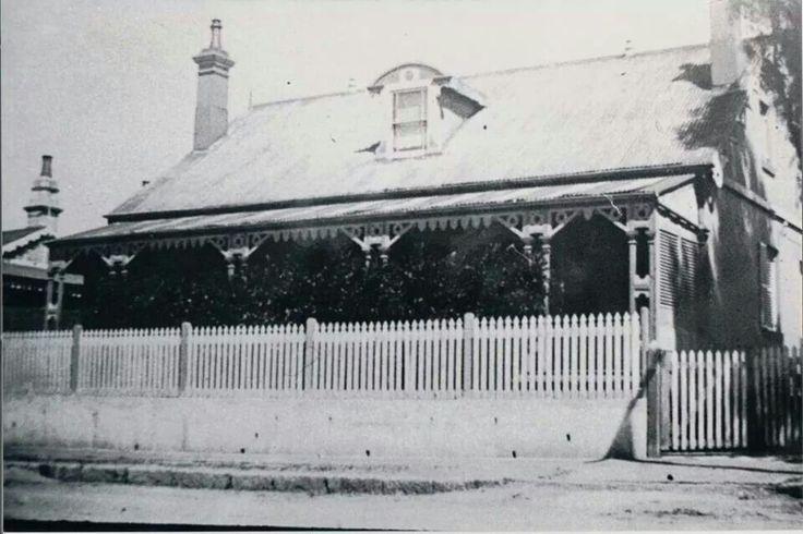 David Lennox House,39.Campbell St,Parramatta.David Lennox was the builder of Lennox Bridge.A♥W