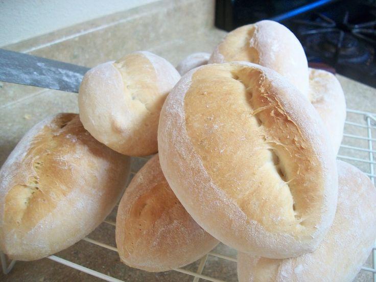 PAN - BOLILLO - BIROTE CASERO - Mexican Bread - Receta Mexicana - lorenalara144, via YouTube.